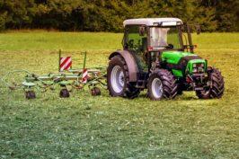 Conduire le tracteur et assurer sa maintenance de premier niveau